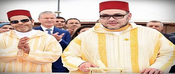 """الملك يعطي انطلاقة مشاريع مينائية هامة تندرج في إطار برنامج """"وصال الدار البيضاء- الميناء"""""""