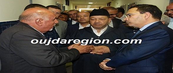 فيديو وصور..الحاج ادريس هوار يستقبل الوزير الخلفي برياض المسنين بوجدة