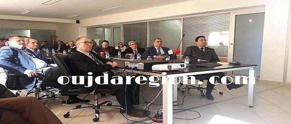عاجل..قصر العدالة بوجدة يمر للسرعة الثانية في تجويد الخدمات في 5 دقائق تسلم نسخة الحكم