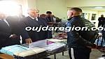 صوت وصور..الوالي الجامعي يوزع تجهيزات و معدات ل43 سجين لخلق مشاريع مدرة للدخل بوجدة