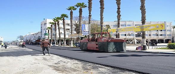 الناظور.. العمران تشرع في إعادة تزفيت شارع يوسف بن تاشفين وتطلق عملية أخرى بأهم شوارع المدينة
