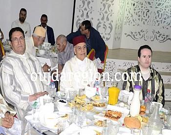 صور…اسرة القضاء بتاوريرت تقيم حفل افطار جماعي