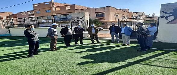 حجيرة يتفقد تغطية الملاعب الرياضية بالعشب الاصطناعي