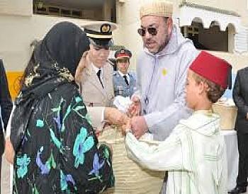 """جلالة الملك يعطي تعليماته السامية لانطلاق النسخة 22 من عملية توزيع الدعم الغذائي """"رمضان 1442"""" (مؤسسة محمد الخامس للتضامن)"""
