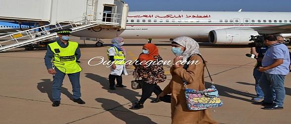 شاهدوا الجالية الجزائرية تحيي جلالة الملك على تخفيضات التنقل